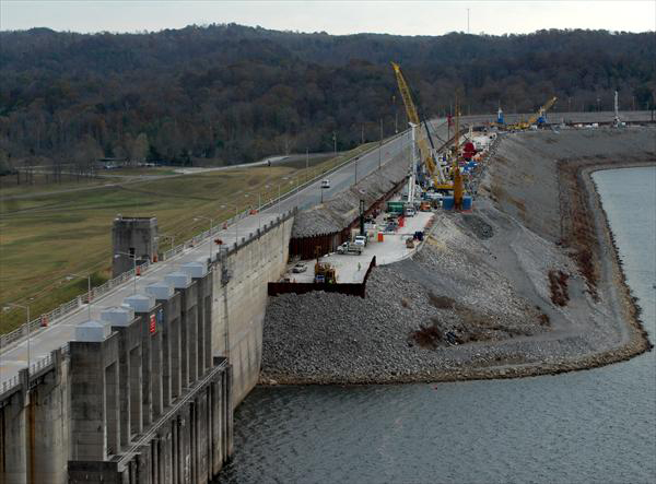 construction of wolf creek dam